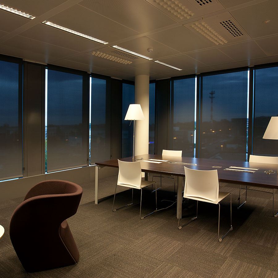 Dim out roller blinds for offices